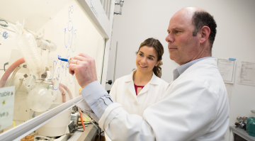 David Putnam and Hannah Koziol in the lab